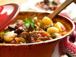 5 рецептів страв з тушонкою