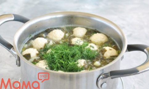 Дуже апетитний щавлевий суп з фрикадельками