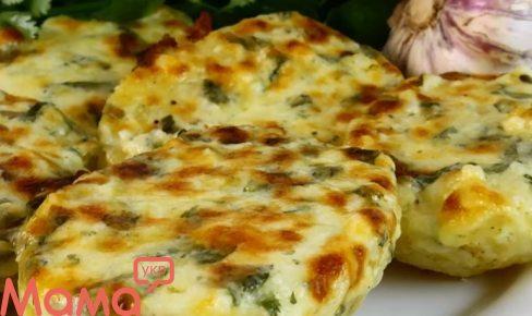 Часникова картопля з сиром: готуємо в духовці