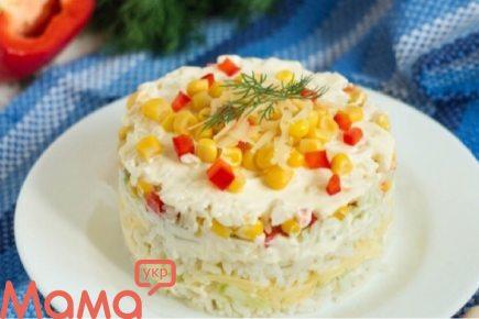 Відмінний рисовий салат з перцем і огірками