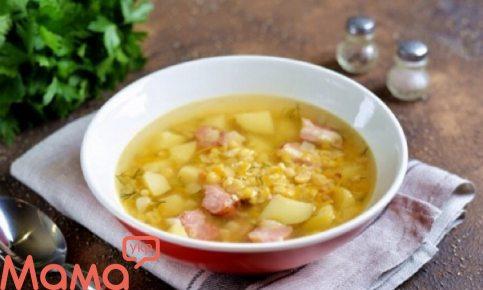Приголомшливий гороховий суп зі свинячими реберцями