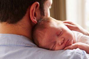 Тато і новонароджена
