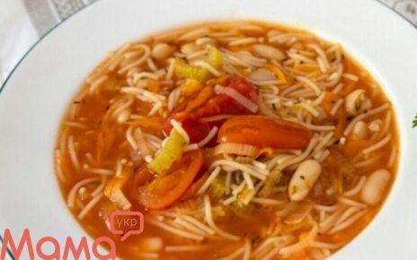 Апетитний овочевий суп з макаронами і квасолею