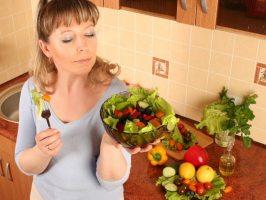 Як правильно готувати «сирі» салати (+ 5 рецептів)