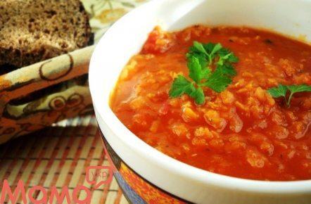 Суп із сочевиці і лечо