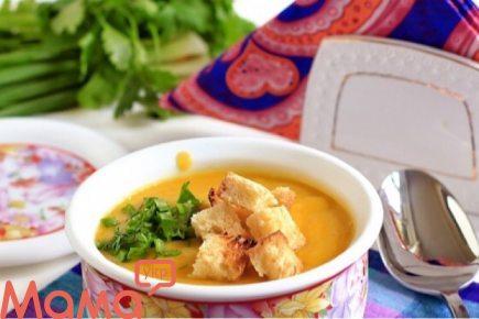 Смачний суп-пюре з сухариками