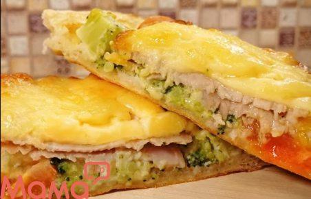 Обалденная гаряча закуска за 20 хвилин: відкриті пироги з начинкою
