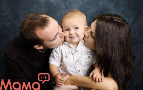 Складне питання: чи говорити дитині, що його всиновили?