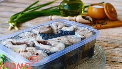 Малосольна скумбрія в олії: розкішний рецепт для любителів риби