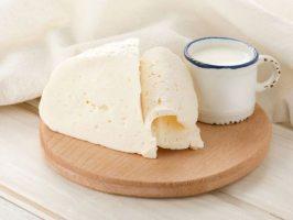 Страви з козячого молока: сир, сир, млинчики, омлет