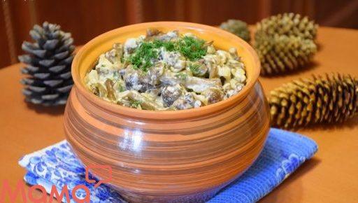 Лісові опеньки в сметанному соусі: готуємо смачні гриби на вечерю