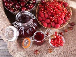 5 рецептів варення із садових і лісових ягід