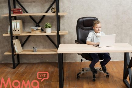 Як навчити вашу дитину правильно відповідати на агресію в Інтернеті