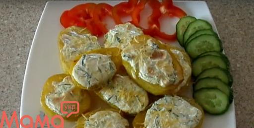 Часникова картопелька в духовці: очманілий гарнір