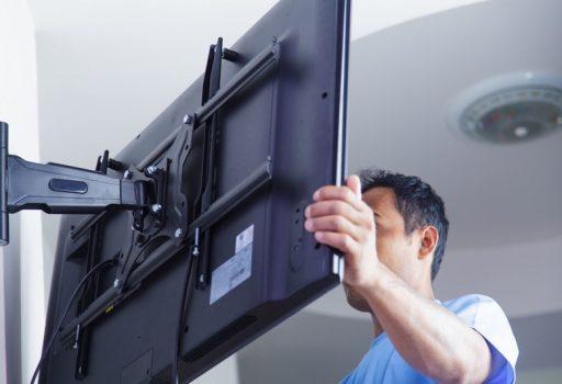 Кріплення-кронштейн для телевізора